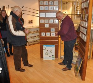 Koninklijke tichelaar makkum nederlands golfmuseum for Tichelaar makkum tegels