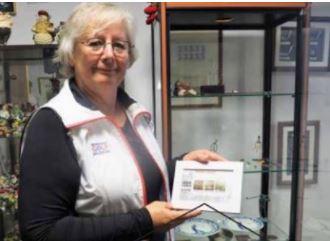 Maria Vrijmoed schenkt golfpostzegels
